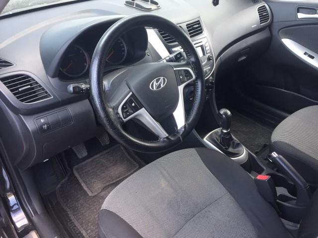 Hyundai Solaris (Хендай Солярис) 2012 г.в / Лот #0136